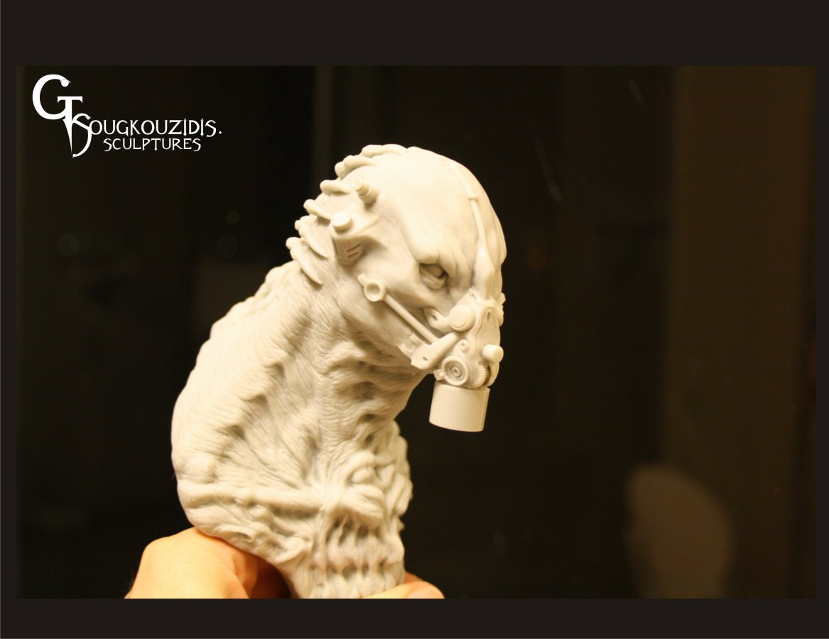 ALIEN BUST RESIN KIT7.jpg